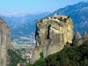 Метеоры - православные монастыри на скалах (Греция)