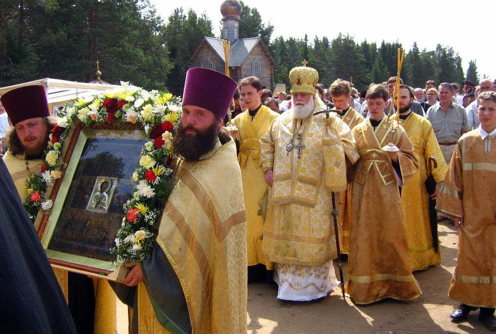 Великорецкий крестный ход называют самым известным и самым сложным паломническим путем в России