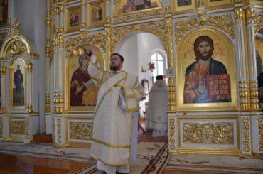 Настоятелем стал иеродиакон Евлогий (Иванов)